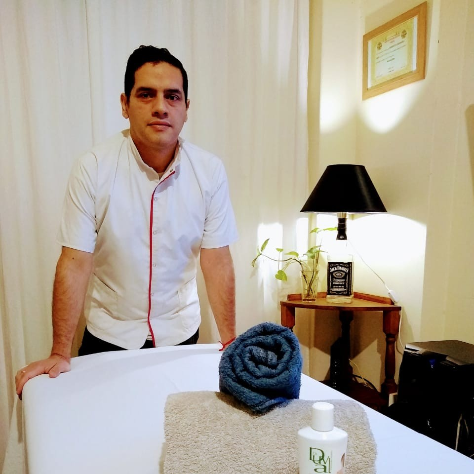 Roberto Lisandro Masajes en Monserrat