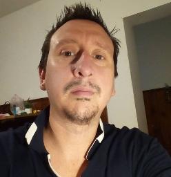 Javier a Pintor Profesional de Casas en La Matanza